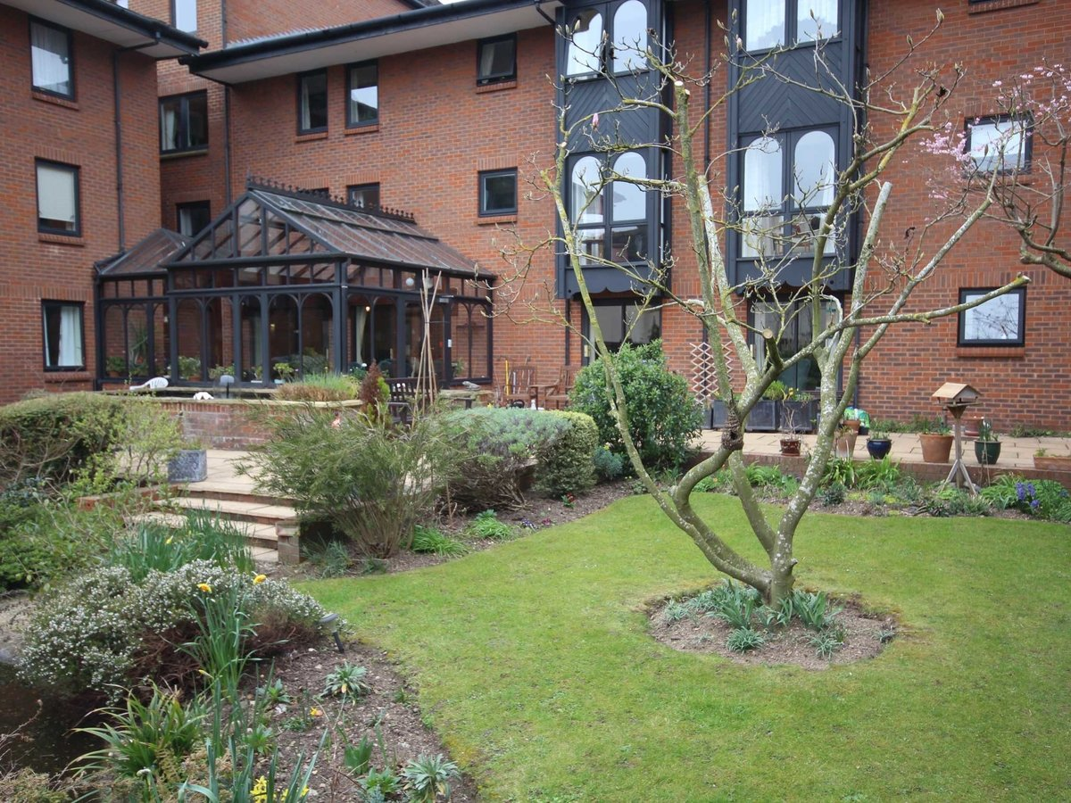 1 bedroom  Flat/Apartment for sale in Gloucestershire - Slide-15