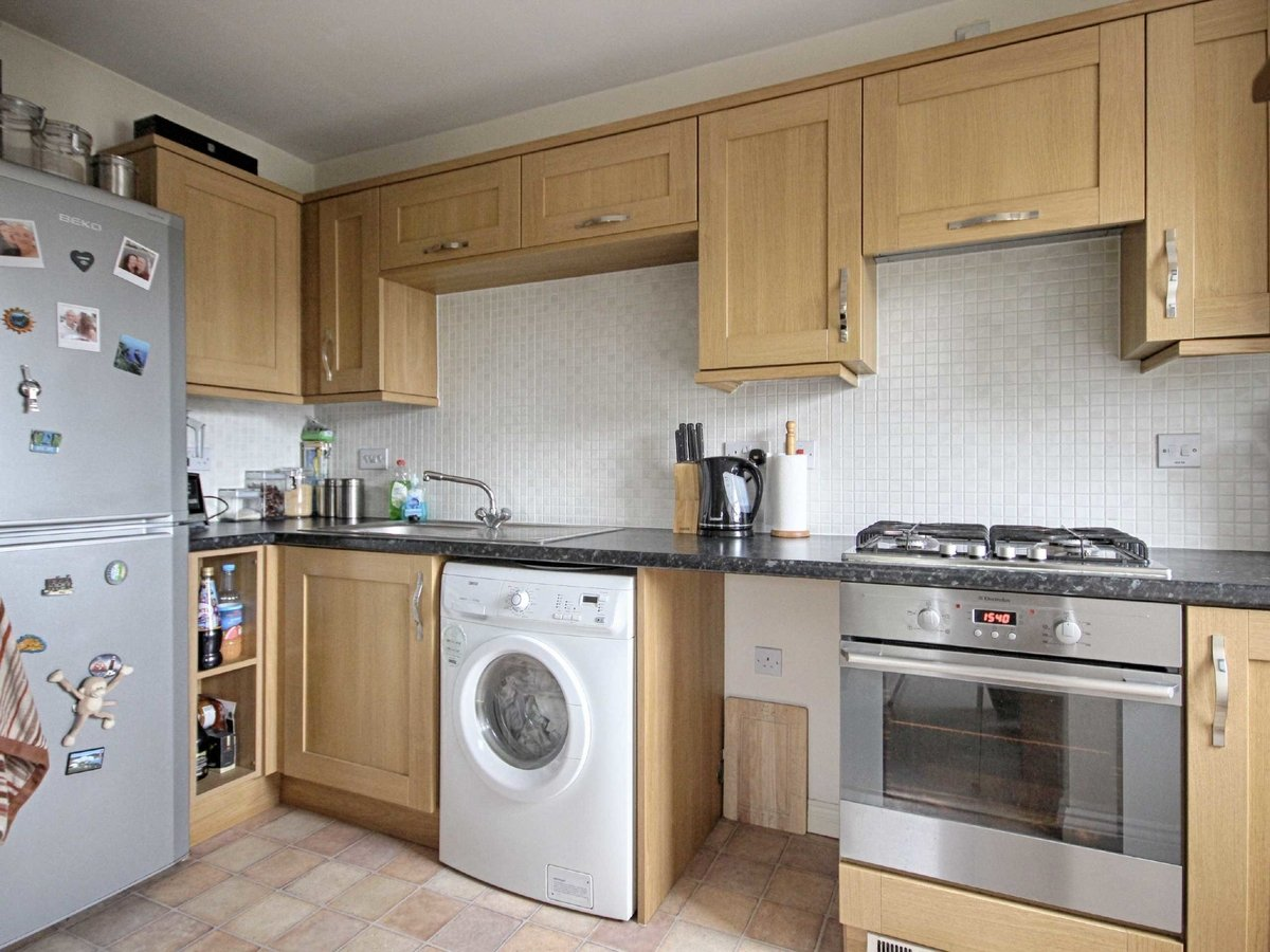2 bedroom  Flat/Apartment for sale in Gloucestershire - Slide-8