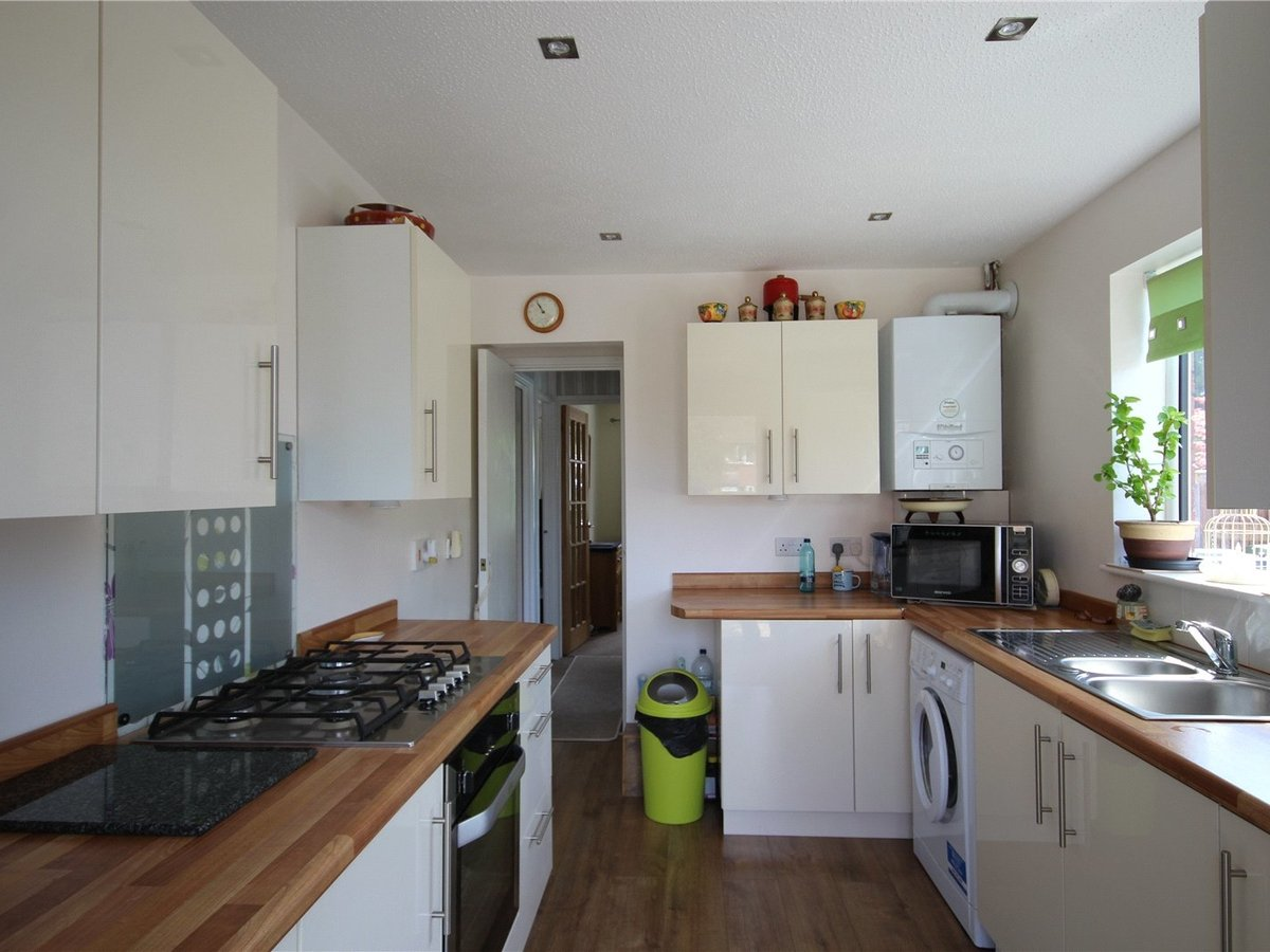 2 bedroom  Bungalow for sale in Gloucestershire - Slide-2