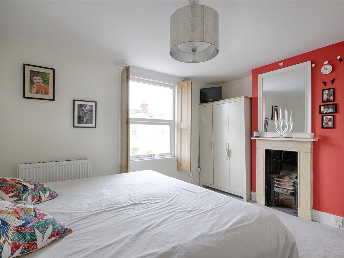 2 bedroom  House for sale in Gloucestershire - Slide-11