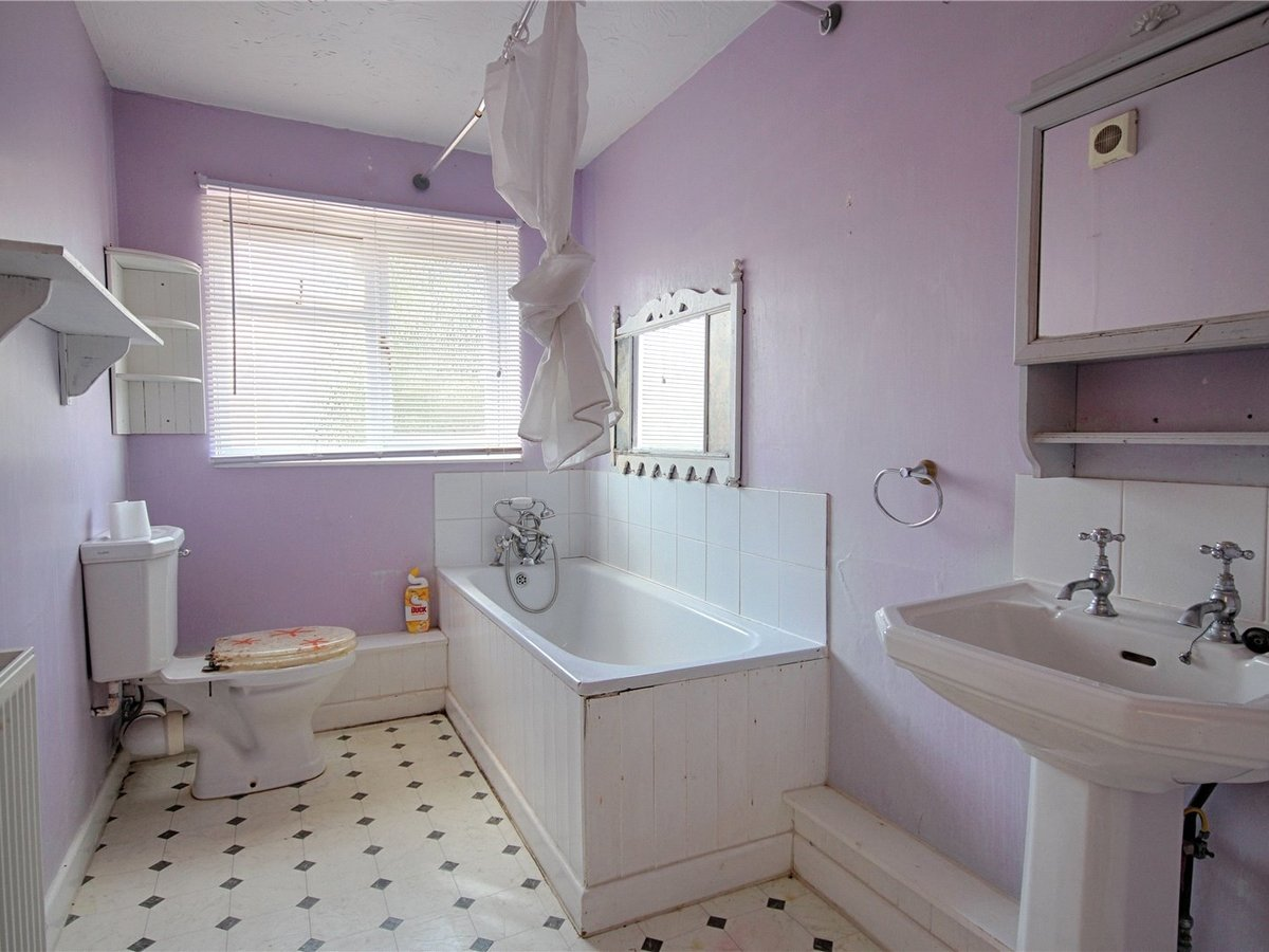 2 bedroom  House for sale in Gloucestershire - Slide-12