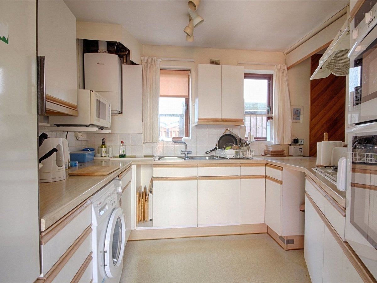 3 bedroom  Bungalow for sale in Gloucestershire - Slide-9